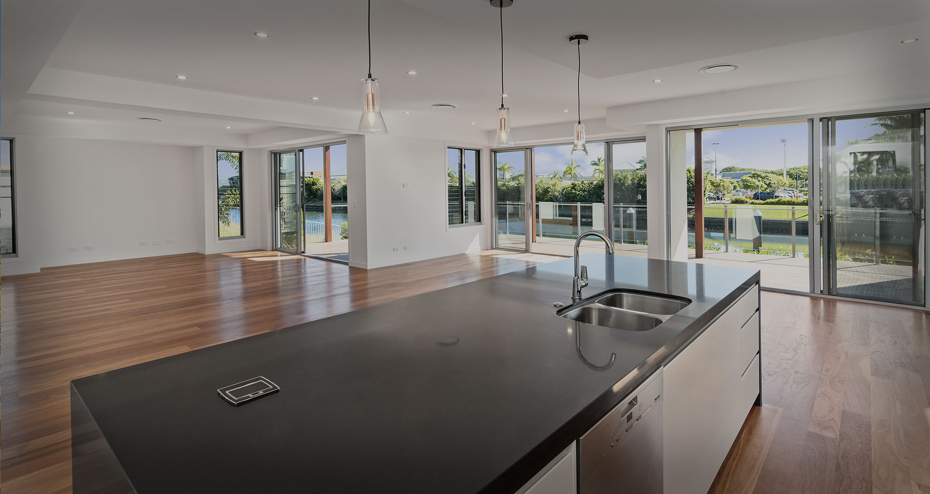 Luxury custom homes iLiv Constructions builder Gold Coast